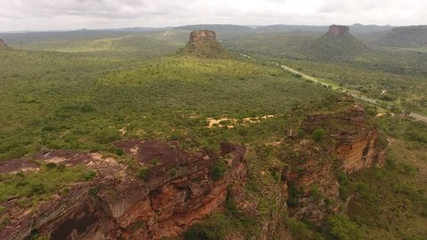 "Aerial view of ""cerrado"" ecossistem and sedimentary rock formations of Chapada das Mesas, Carolina, maranhão, Northeast Brazil"