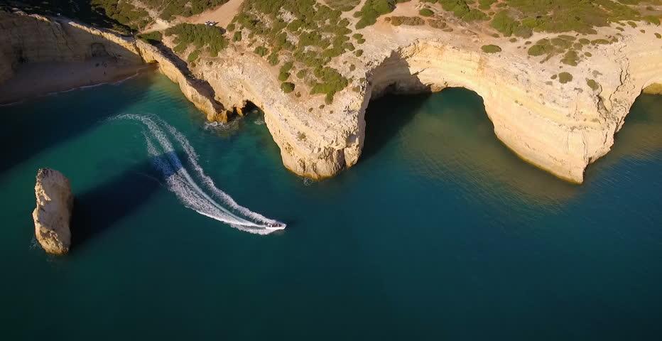 Speed boat cruises round Algarve Coastline