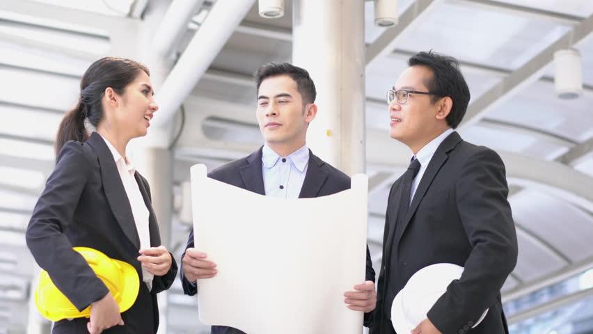 ostasiatisches-treffen-junger-manager-teen