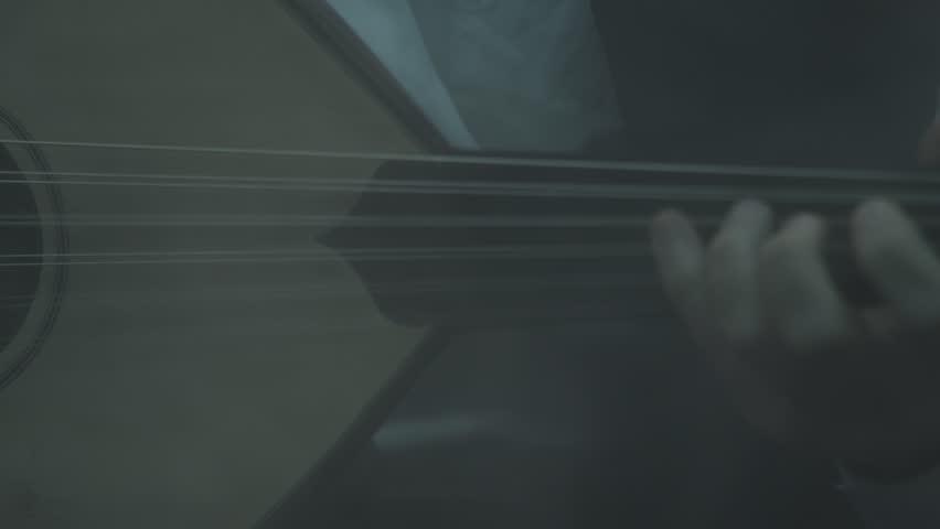 Oud player concert studio