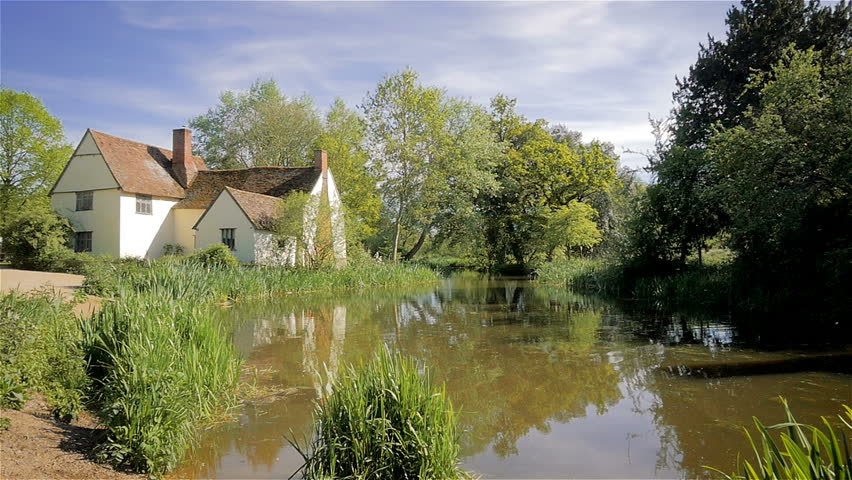 The Haywain, Dedham Vale, Suffolk. A contemporary view of the location of John Constable's painting 'The Haywain' in the Dedham Vale area of Suffolk, England, in Flatford on the River Stour.
