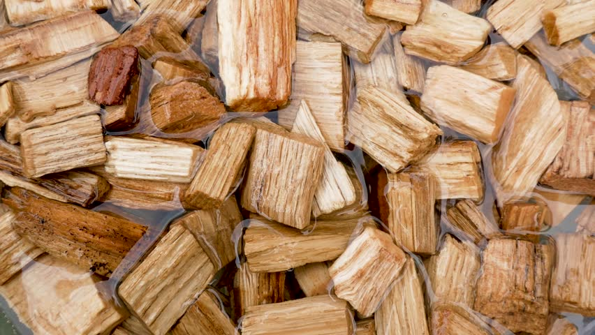 molybdenum-wood-chips