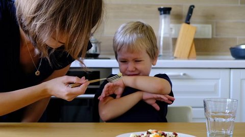 Four year old boy refusing to eat vegetables