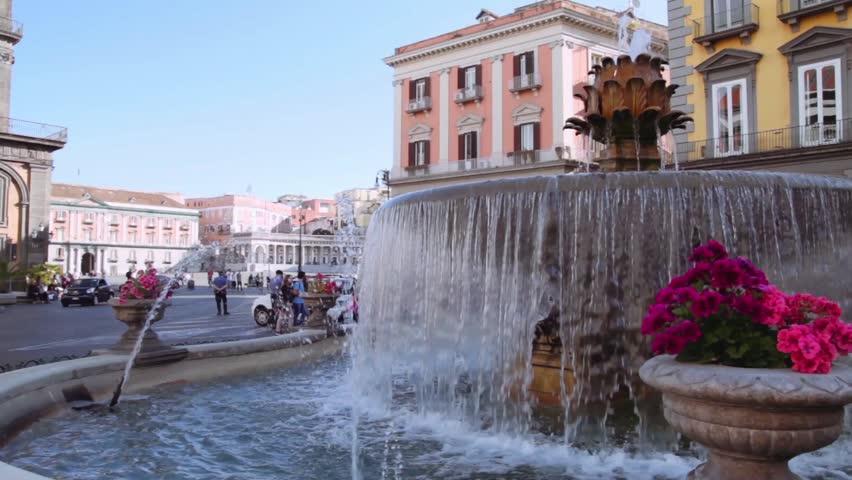 Napoli - Fontana del Carciofo - Piazza del Plebiscito