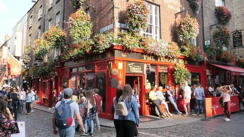 DUBLIN, IRELAND - AUGUST 24, 2018: The Temple bar district is full of tourists