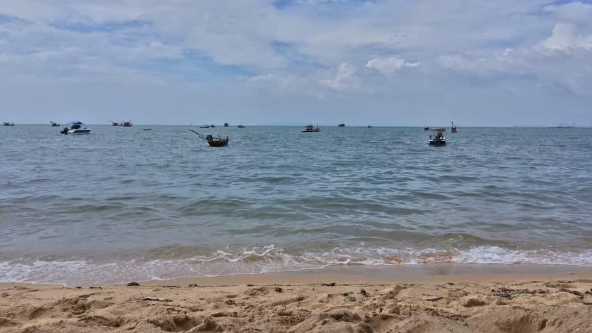 bang saray beach chonb - 852×480