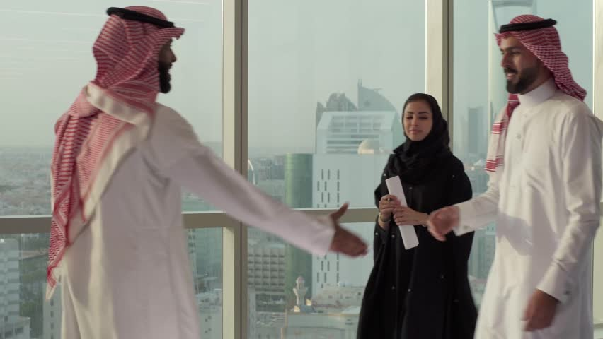 Saudi business handshake, Saudi Business | Shutterstock HD Video #1025673596