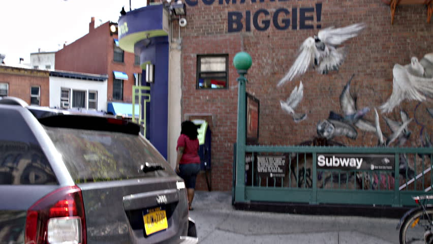 New york july 3 2015 panning shot of fort greene for Biggie smalls mural brooklyn