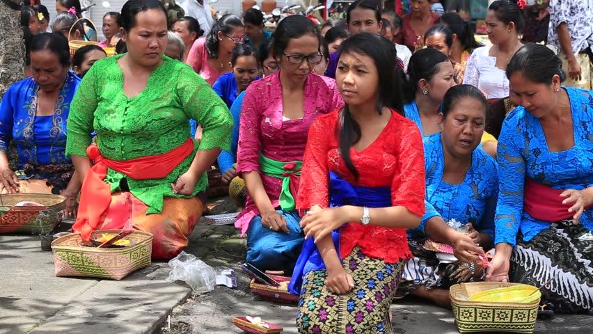 UBUD, BALI, INDONESIA  MARCH 20, 2015 : Unidentified Indonesian People Celebrate Balinese New