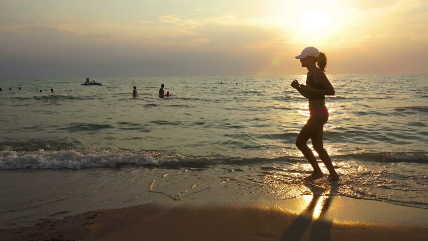Русские занимаются любовью на берегу моря видео фото 437-923