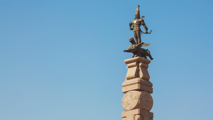 Картинка монумента независимости