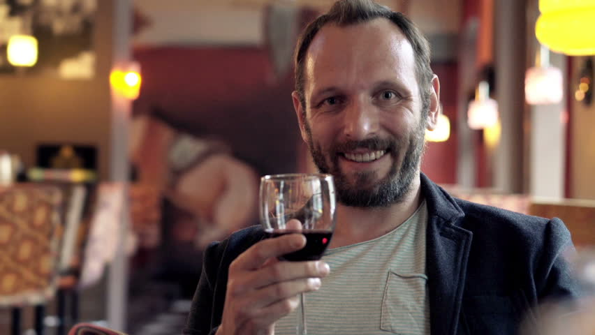 Bilderesultat for happy man drinking redwine