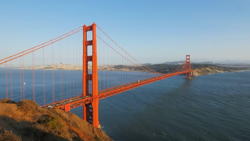 Golden Gate Bridge 4k: San Francisco Golden Gate Bridge Panorama Shot Stock