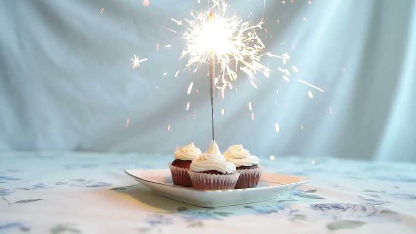 Cupcake With Bow And Candle Happy Birthday Card Holidays – Happy Birthday Video Greeting Cards
