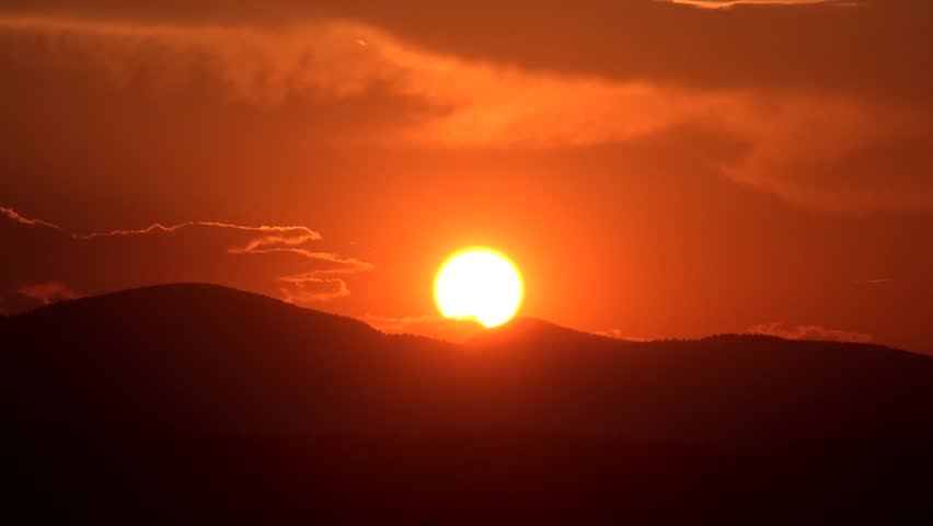 4K Sunset Time Lapse Mountains Sun Rays Clouds View Dramatic Sundown, Landscape