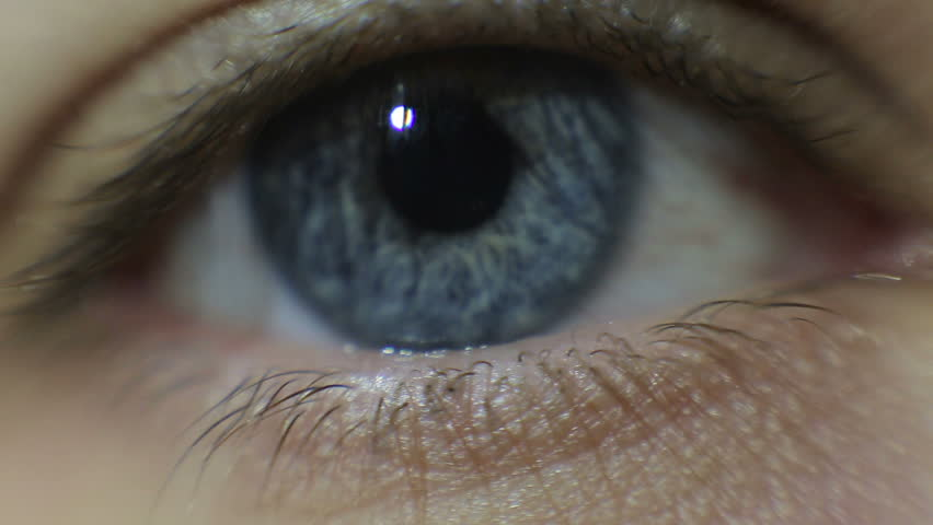 Video of a man opening his blue eye