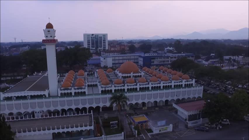 Ariel view of Masjid Sultan Idris Shan located in Ipoh, Malaysia.