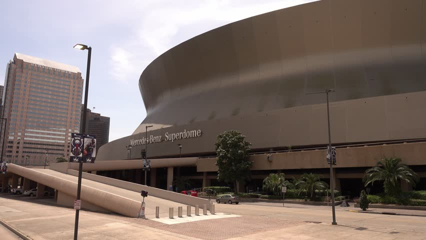 4k00:10Mercedes Benz Superdome In New Orleans   NEW ORLEANS, LOUISIANA    APRIL 17, 2016
