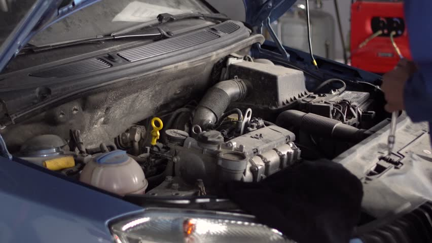 Sukhothai August 22 2015 Mechanic Repairing A Car At Mitsubishi