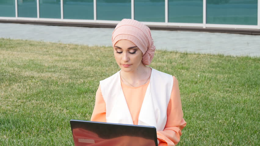 island park single muslim girls Are you looking for your cebu muslim woman soulmate loveawakecom will help you to meet single women you have been dreaming of at our dating site you will find thousands profiles of gorgeous muslim ladies looking for love.