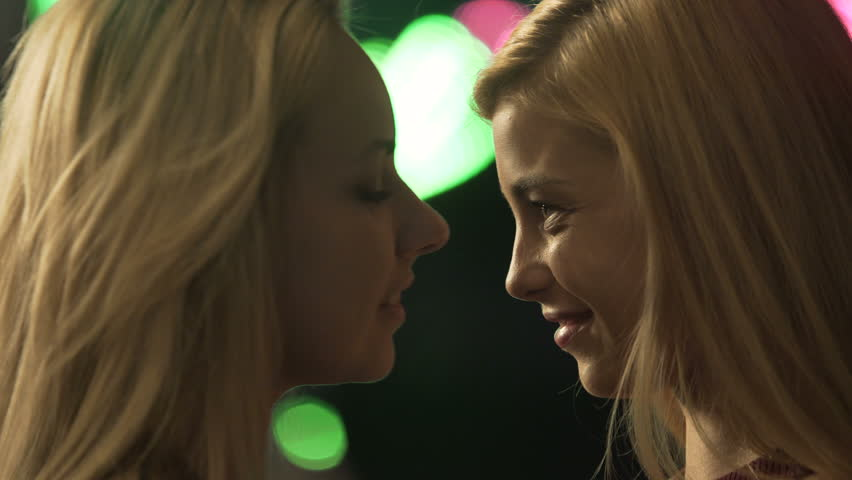 Lesbian women kissing girls not see