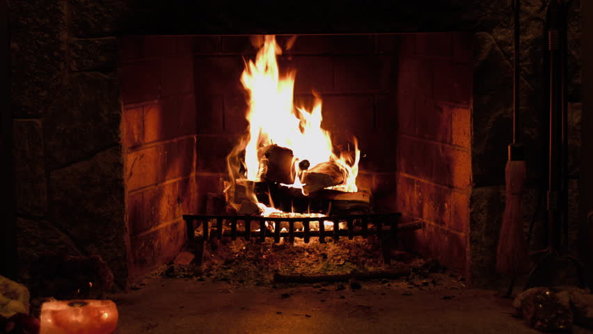 60 SECOND ( 1 MINUTE ) Fireplace. Fire In A Fireplace At Christmas ...