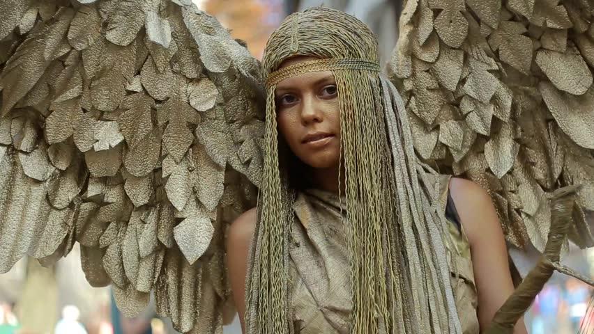 golden angel girl, golden angel, angel makeup