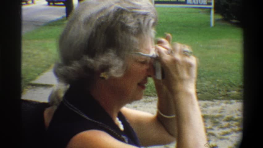 FLORIDA 1974: grandma taking pictures