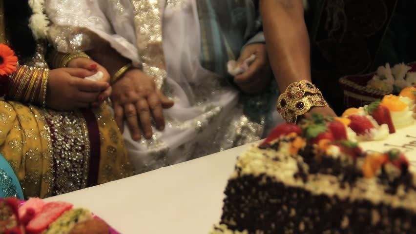Mehndi Cake Download : Muslim mehndi cake panning shot stock footage video 2360207