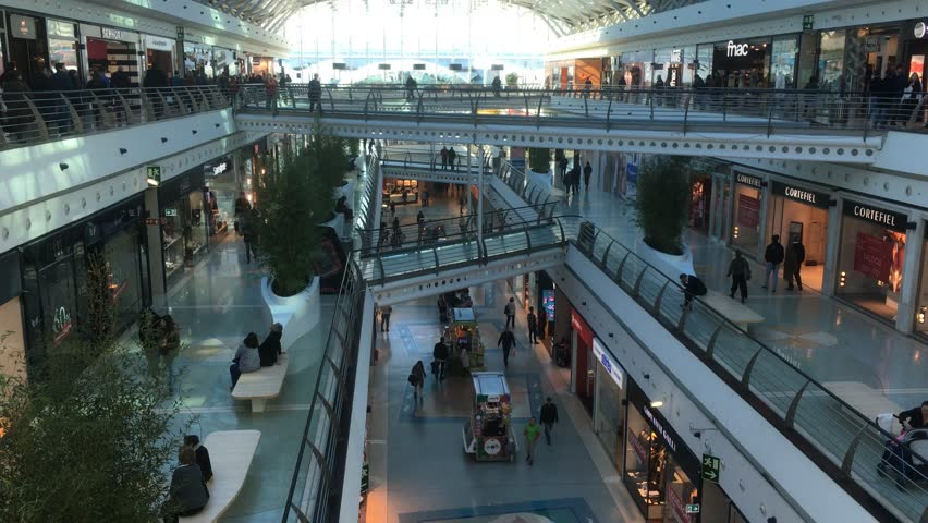 Huge shopping mall with many people lisbon portugal 08 top view shopping mall crowds of people lisbon portugal 08 february 2017 sciox Gallery