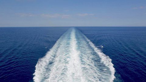 Sailing cruise ship track with calm sea and clear sky at the Caribbean