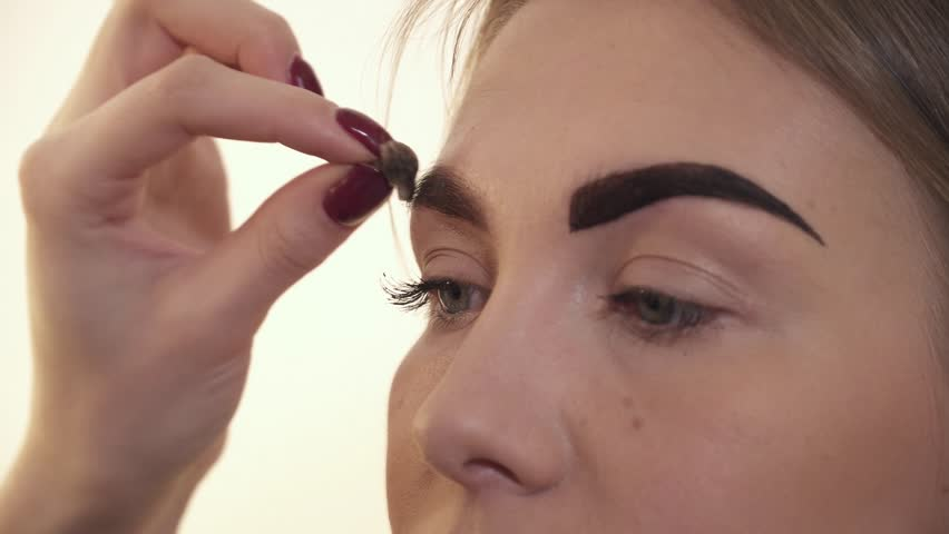 Eyebrows Tinting Treatment With Natural Henna Dye By Cosmetician ...