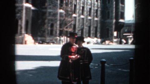 ENGLAND 1957: beefeaters taking a break