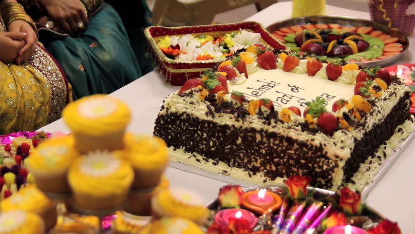 Cake For Mehndi Ceremony : Musilim wedding mehndi cake pull focus stock footage video 2573546