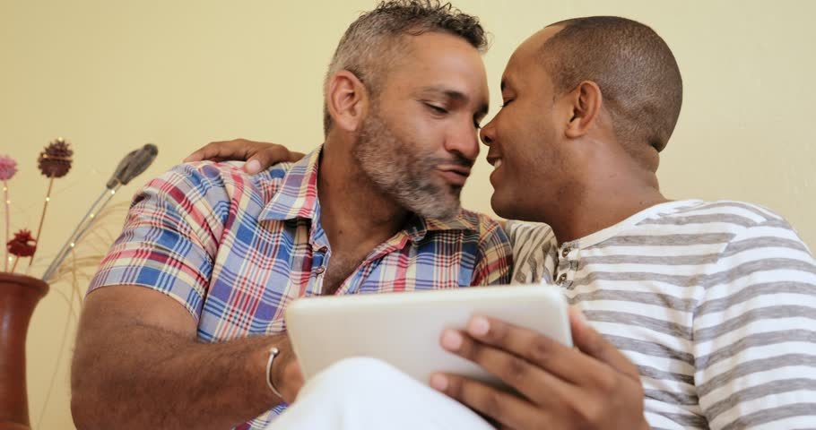 of sex friend kissing same