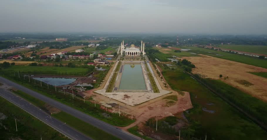 Central Mosque in Songkhla, Thailand aerial video 4k #29259886