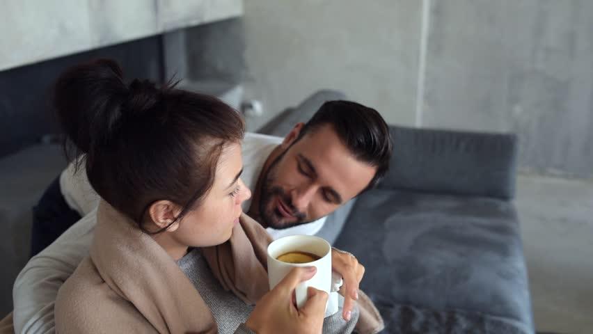 sharing-the-wife-video-leaked-naked-guya