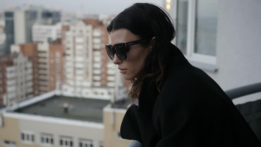 Pretty woman admiring cityscape #31572586