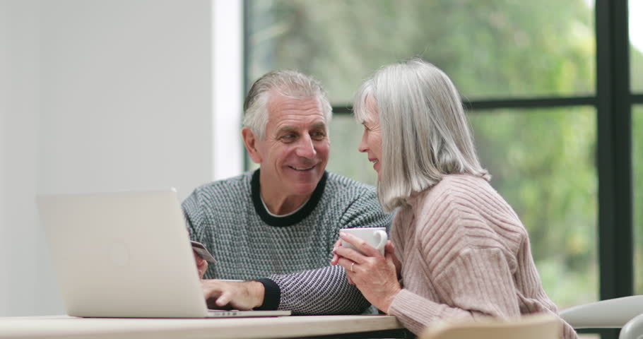Senior couple online shopping | Shutterstock HD Video #32305816
