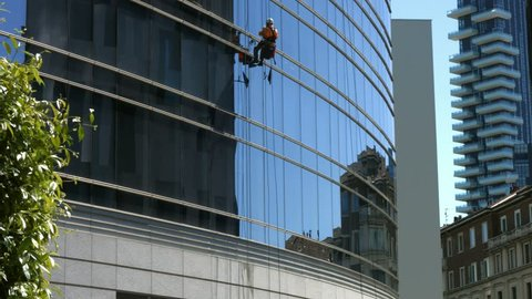 Skyscraper window glass cleaner
