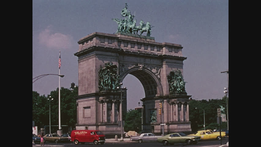 NEW YORK, 1971, The Grand Army Plaza at the entrance to Prospect Park, Brooklyn
