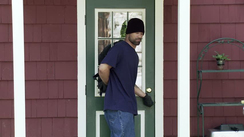 Burglar makes his way up to a house door finds it unlocked and makes his & Burglar Makes His Way Up To A House Door Finds It Unlocked And ... Pezcame.Com