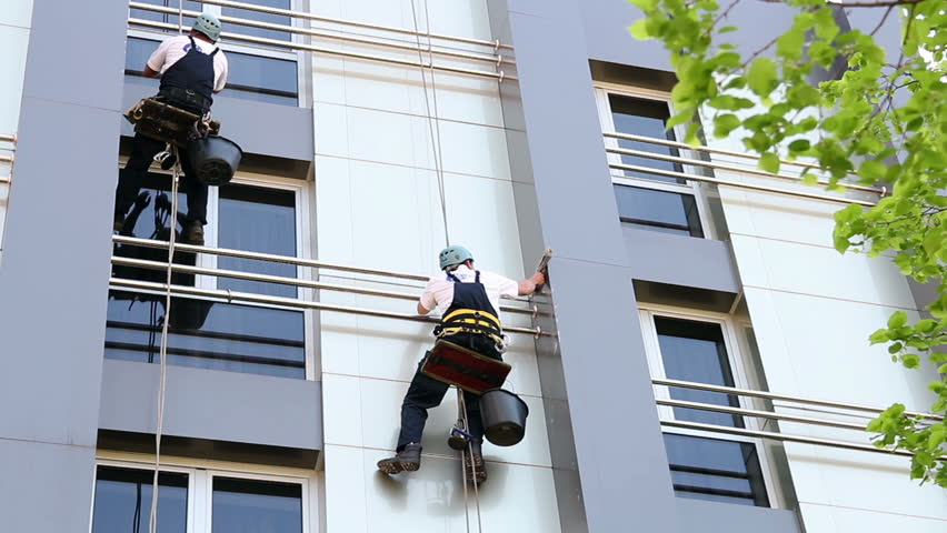 Industrial Climbers - Facade Cleaning.