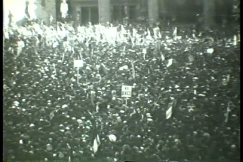 1930s - Black and white footage of a Mussolini speech from the 1930s