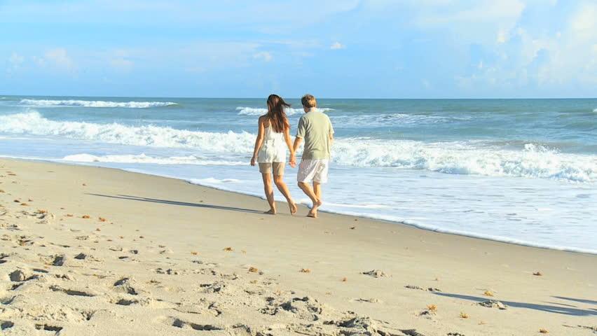 Русские занимаются любовью на берегу моря видео фото 437-117