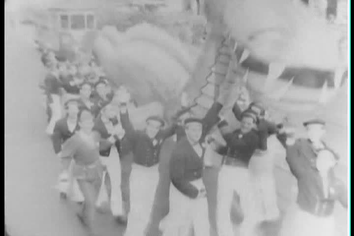 1930s - Macy's Thanksgiving Day Parade in New York, 1930s.