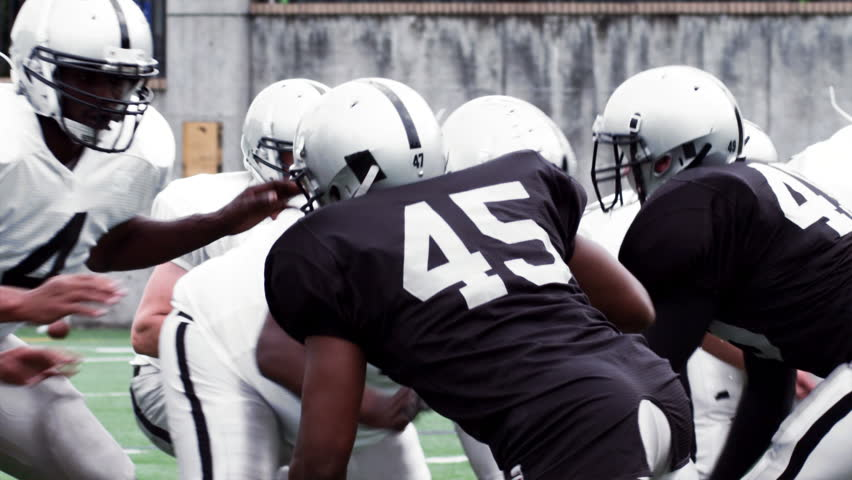 team roles of a football team essay (last updated on: october 10, 2018) in a 3‒4-page paper (not counting reference and abstract pages) analyze and evaluate the roles of the emergency management leadership team in a crisis situation.