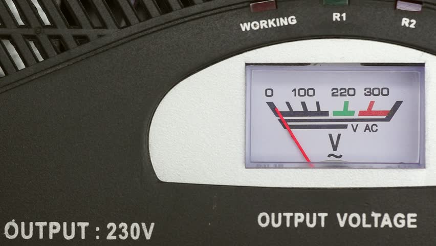 Analogue 230v AVR switches on and off