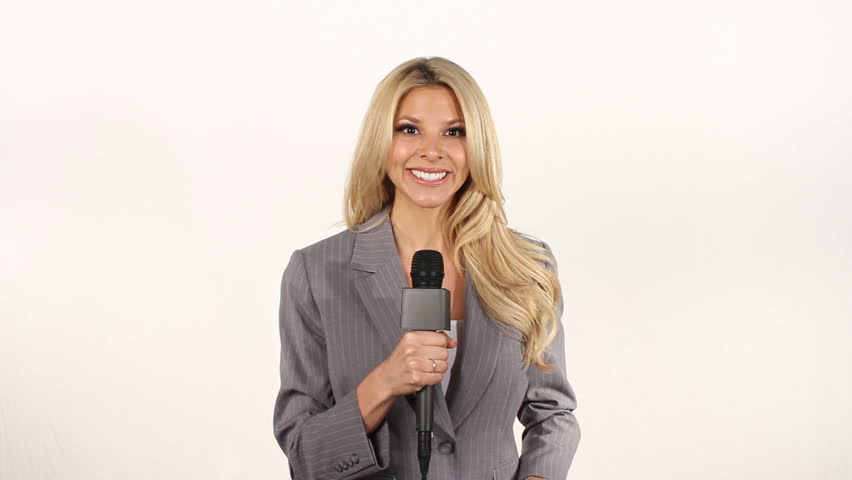 Female reporter pic 99