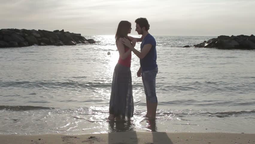 Видео любовные ласки у моря